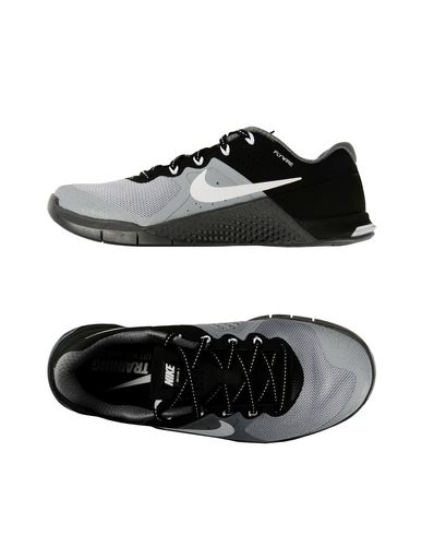 NIKE Sneakers & Tennis shoes basse donna