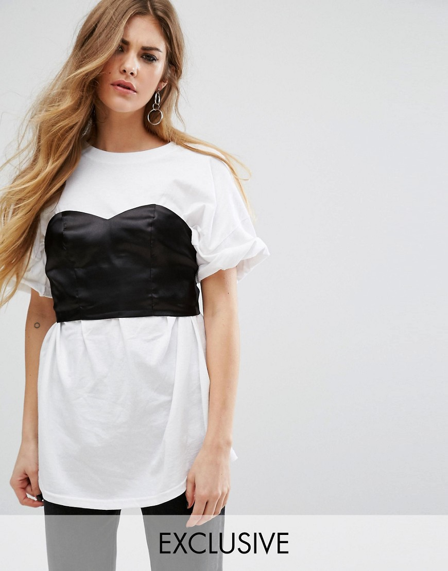 Reclaimed Vintage - T-shirt oversize con corsetto - Bianco