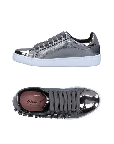 GIULIA N Sneakers & Tennis shoes basse donna
